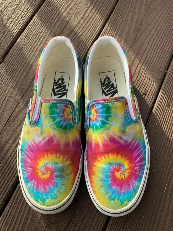 How to Hand Paint Your Vans Canvas Shoes